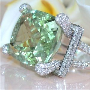Jewelry - Stunning Sea Green Cocktail Ring